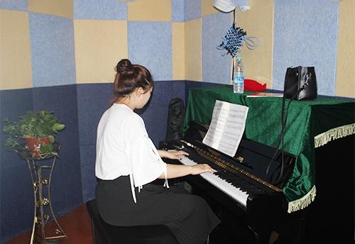 哈尔滨钢琴学校